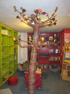 Children's book room, complete with a Learning Tree.